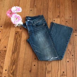 American Eagle-light wash distressed jeans-Size 8P